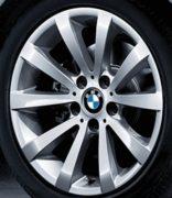 Original BMW Alufelge 3er E90 E91 E92 E93 V-Speiche 285 in 17 Zoll