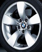 Original BMW Alufelge 5er E60-E61-LCI Sternspeiche 138 in 17 Zoll