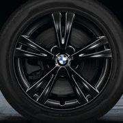 BMW Winterkompletträder (4er Set) Doppelspeiche 385 schwarz glänzend 17 Zoll X1 F48 RDCi