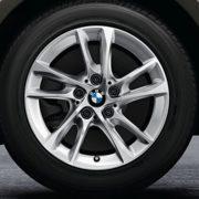 BMW Winterkompletträder (4er Set) Doppelspeiche 474 silber 16 Zoll 2er F45 F46 RDCi